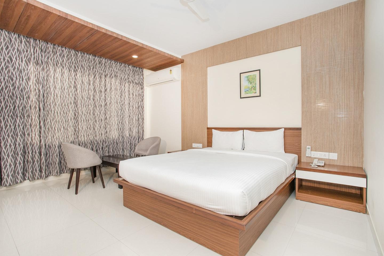 OYO 11308 Benhur Pride Hotel -1