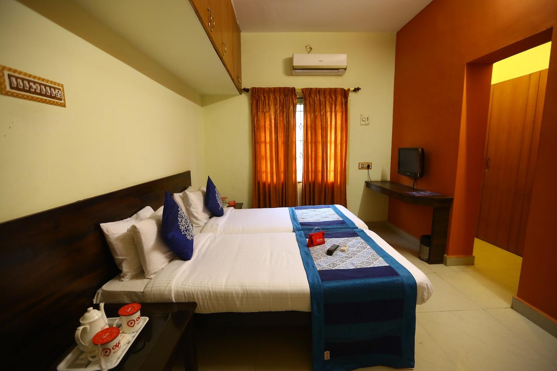 OYO 1474 Apartment Perungudi Room-1