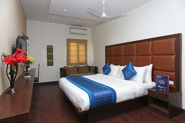 OYO 11337 Asian Hospitality
