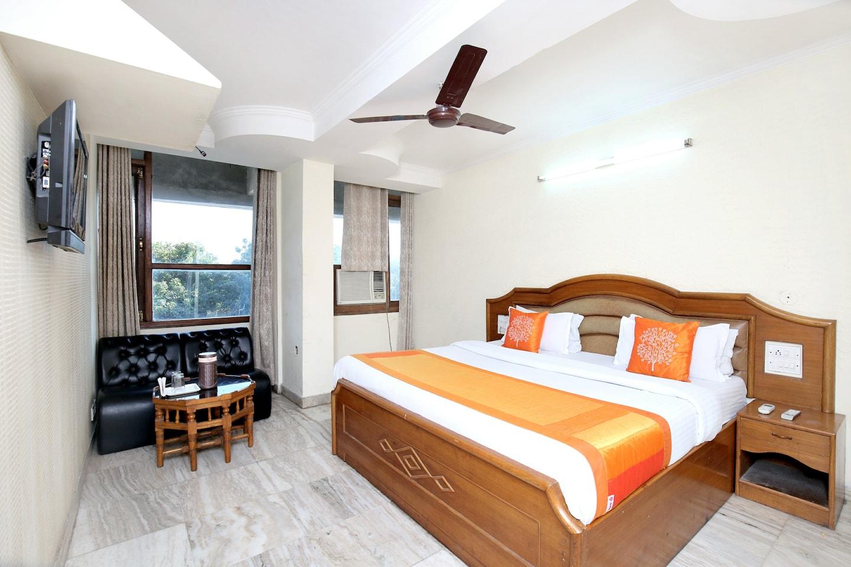 OYO 11371 Hotel M&V -1
