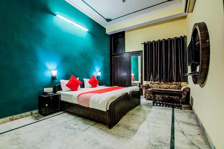 OYO 11401 Hotel Malhotra -1
