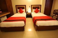 OYO 1480 Hotel Centra