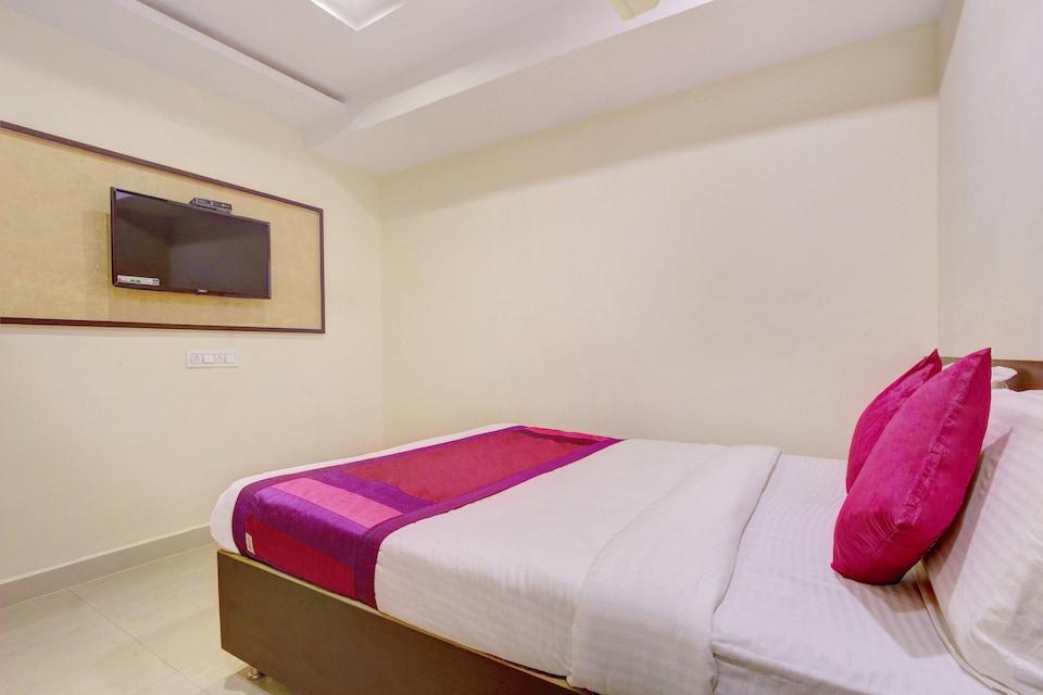 OYO 11412 SVS Luxury Rooms