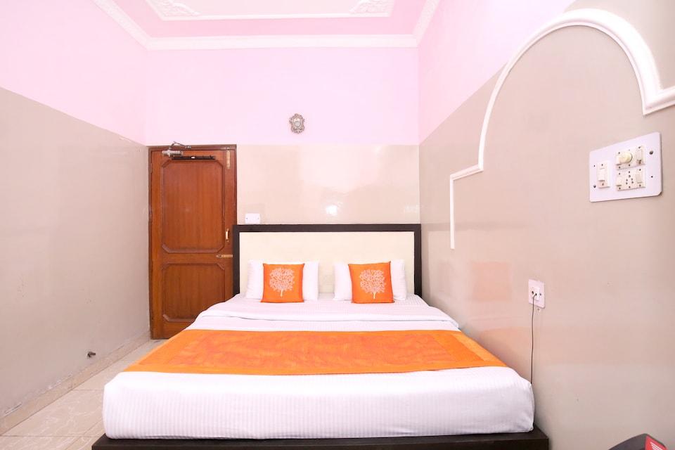 OYO 11417 Hotel Lotus Inn