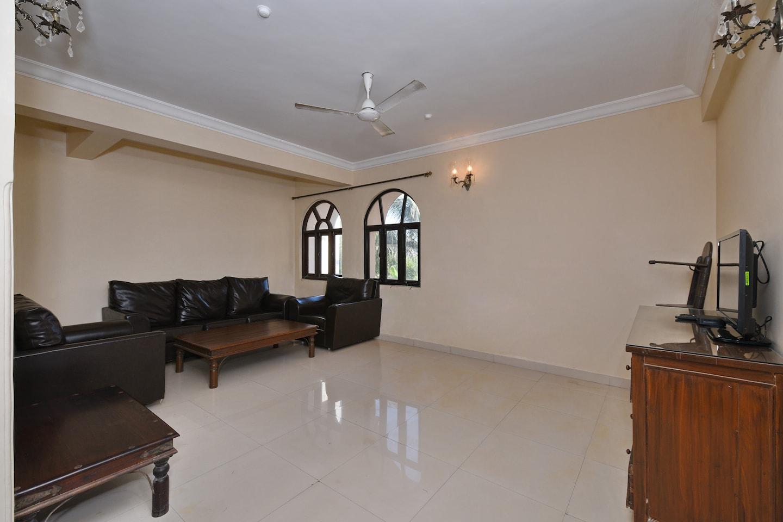 OYO Home 11424 Elegant Villa 3BHK -1