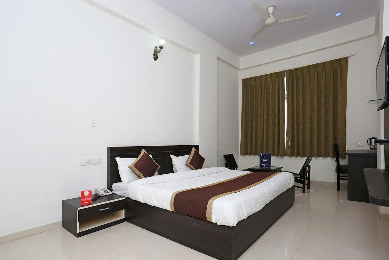 OYO 11484 Hotel Shivam -1