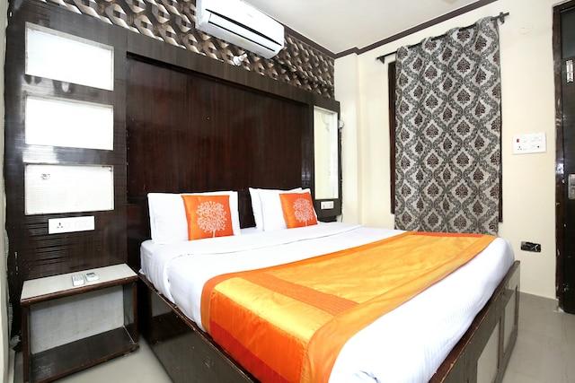 OYO 11514 Hotel Guru Kalgidhar Residency