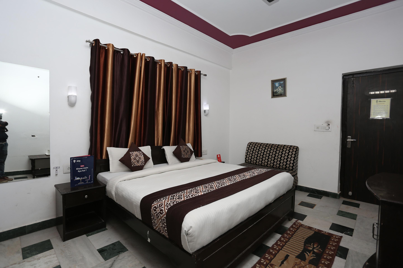 OYO 11539 Hotel Priya