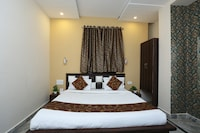 OYO 11540 Hotel Royal INN