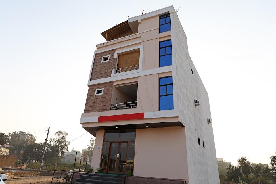 OYO 11553 Hotel Dhola Maru Residency