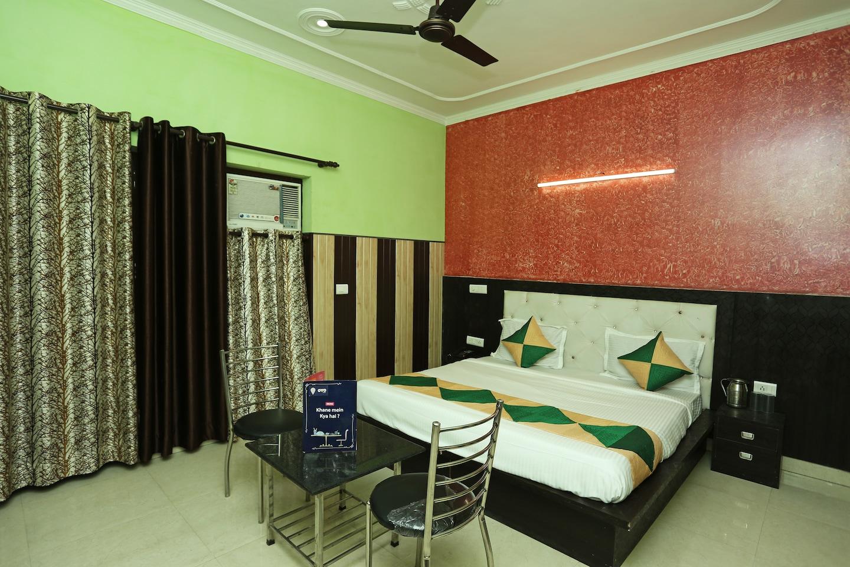 OYO 11556 Om Guest House Residency -1