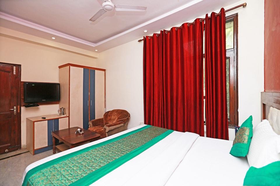 OYO 11559 Lakshay Residency
