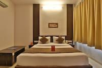 OYO 11649 Hotel Mahima