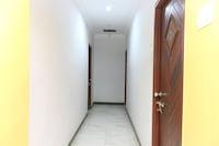 OYO 11661 Krishna Park