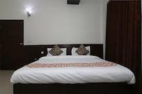 OYO 11668 Hotel Good Times