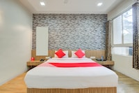 OYO 11693 Hotel Sunshine