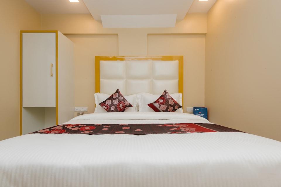 OYO 11720 Gold Coast Inn