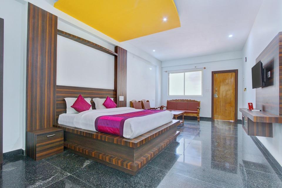 OYO 11724 Chitra Residency Premium