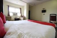 OYO 11754 Hotel Classic 7