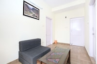 OYO Home 11864 Hill View Apartment