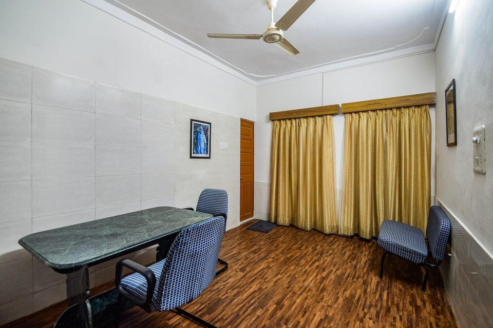 OYO Home 11874 Cozy Villa