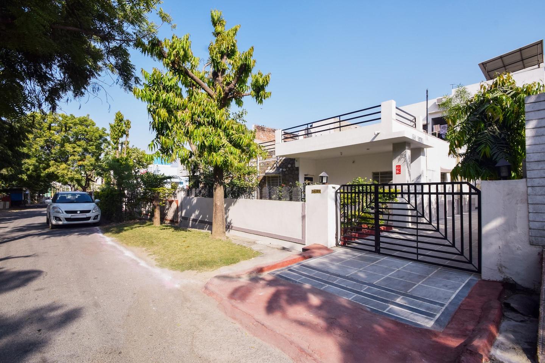OYO Home 11874 Cozy Villa -1