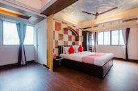 OYO 11879 Kalpataru Apartments