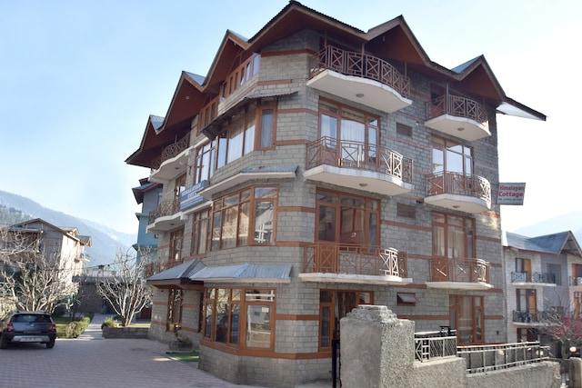 OYO 11895 Himalayan Cottage