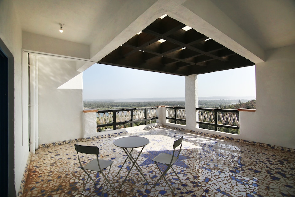 OYO 11899 Greek Style Penthouse 4BHK