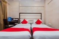 OYO 11908 Hotel Lake Bloom Residency