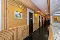 Capital O 11914 Pratap Heritage Deluxe