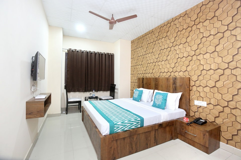 OYO 11934 Hotel De Agya Paradise, Bus Stand Ludhiana, Ludhiana