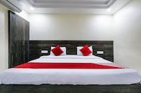 OYO 11938 Mitra Residency
