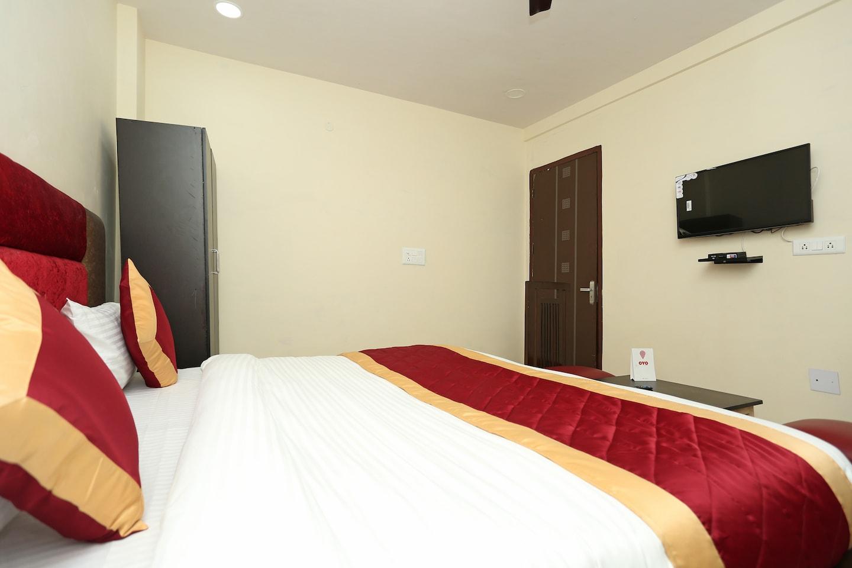 OYO 11952 Hotel Royal India -1