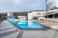 OYO 11974 Emerald Resort