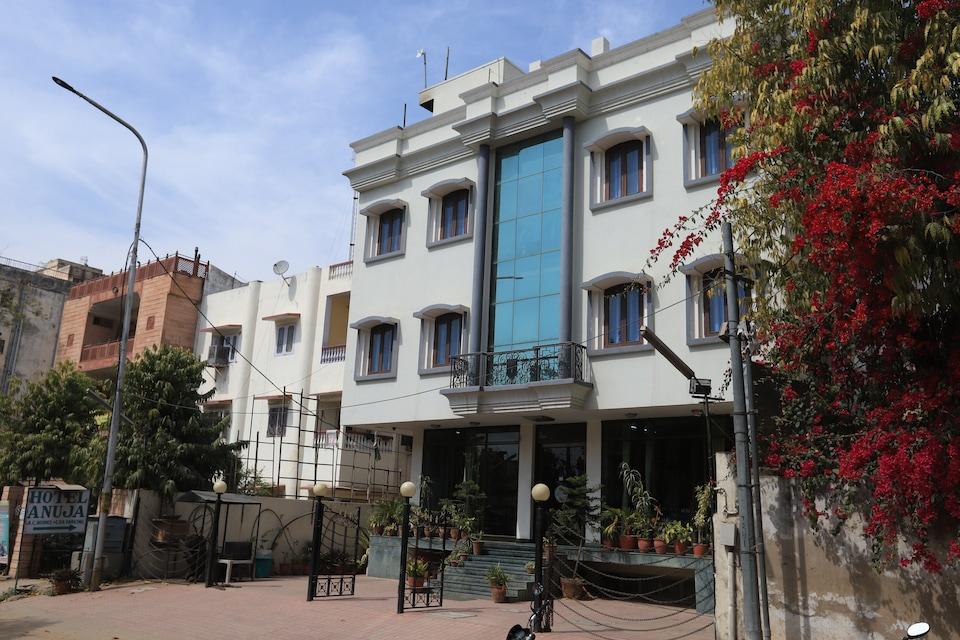 OYO 12019 Hotel Anuja