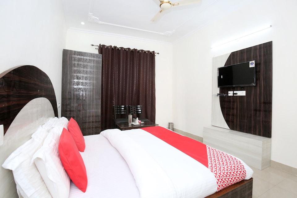 OYO 12025 Hotel Kamal Palace