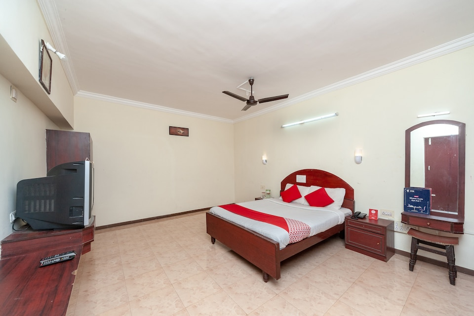 OYO 12031 Hotel Ponkailash Holiday Resort
