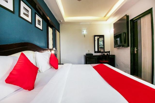 OYO 11190 Hotel Vivaan
