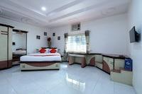 OYO 12049 Hotel Ravi Kiran Executive