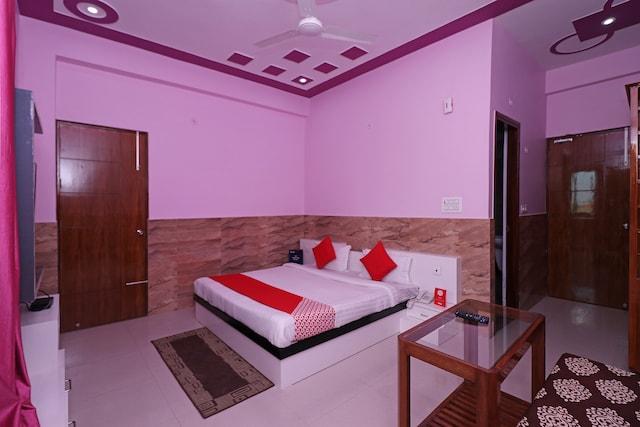 OYO 12065 Hotel Raj Palace