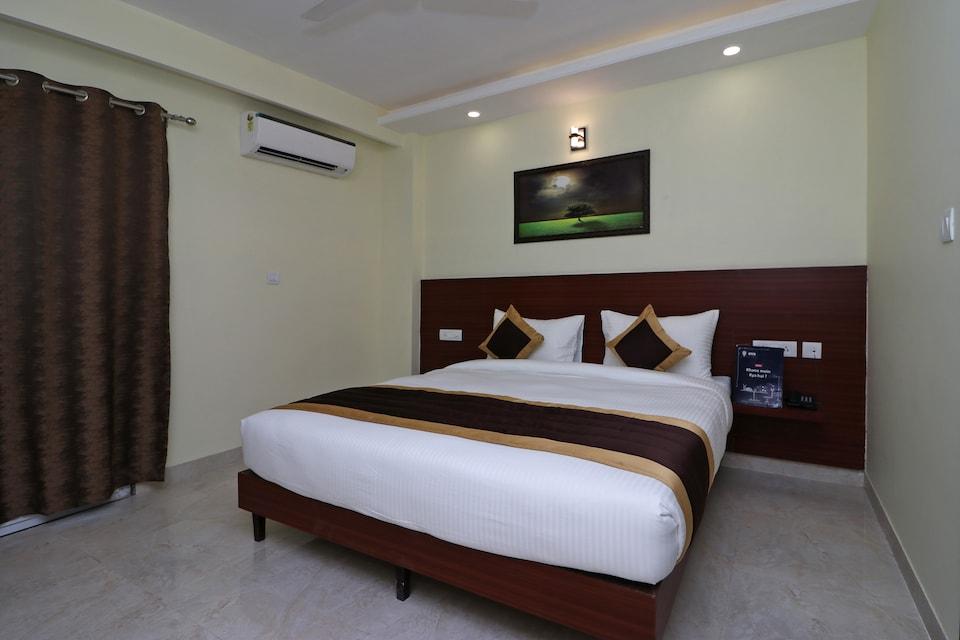 Capital O 12074 Vikrant's Residency