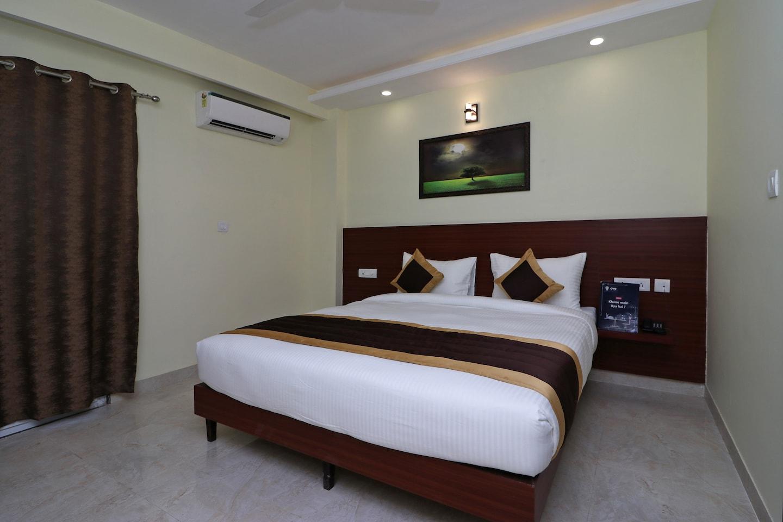 OYO 12074 Vikrant's Residency -1