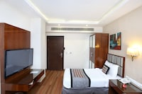 OYO 15134 Hotel Downtown
