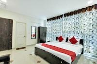 OYO 12120 Hotel Srico