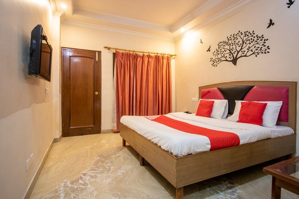 OYO 1542 Hotel GK President