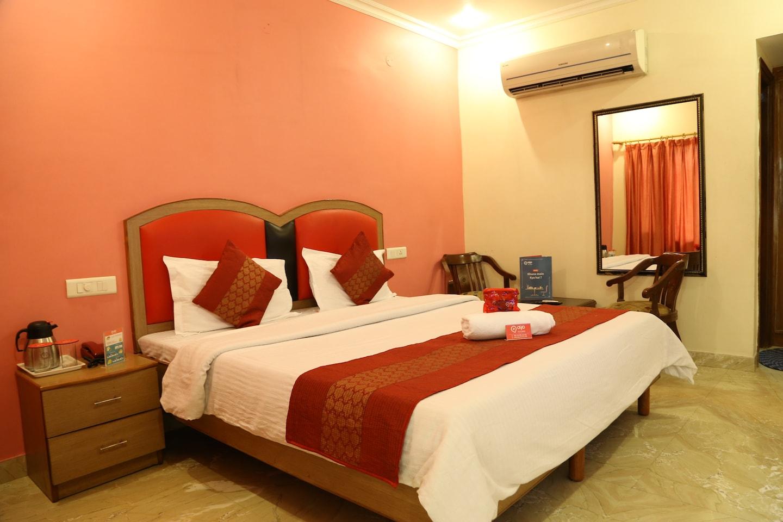 OYO 1542 Hotel GK President -1