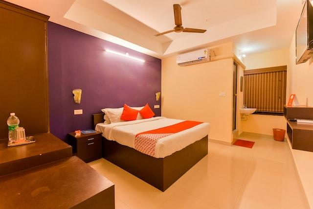 OYO 12179 Hotel Raiban