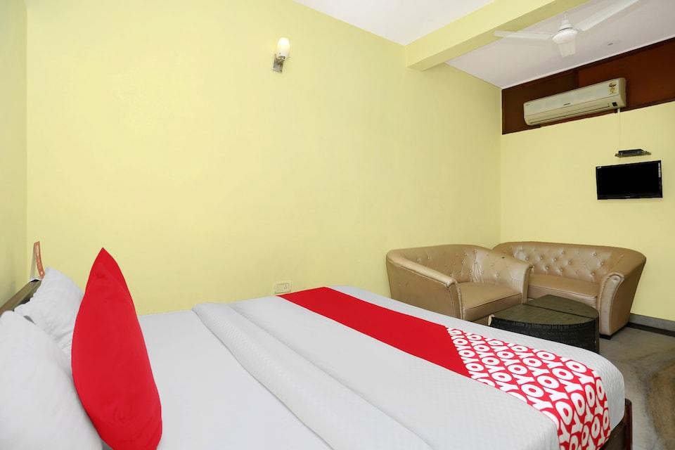 OYO 12190 Hotel New Blue Umbrella, North Delhi, Delhi