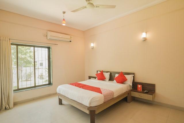 OYO 12204 Hotel Sai Sagar